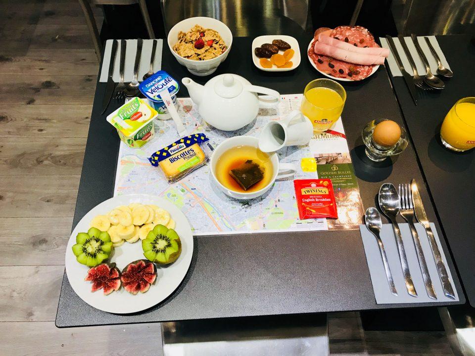 Petit Déjeuner complet · Hotel Reims Centre Place d'Erlon · Hôtel Cecyl